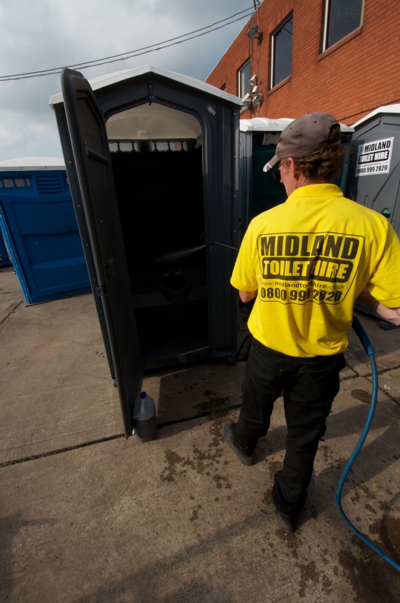 Portable Toilet Hire Near Me