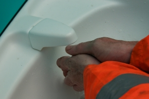 How to choose portable toilet hire